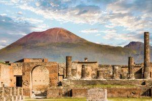 Turista canadiense devuelve artefactos robados de Pompeya porque están 'malditos'