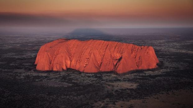 Uluru se cerró en 2019 después de una campaña de diez años de las comunidades indígenas para protegerlo.