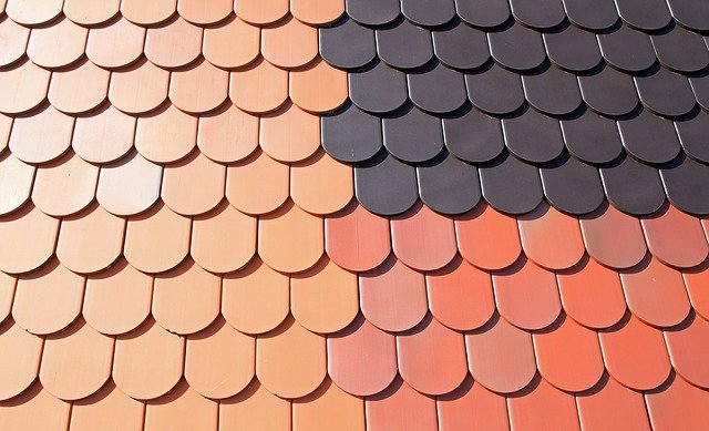 Reemplazo del techo de tejas de goma: una parte esencial de ser propietario de una casa