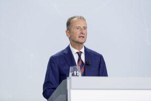 La junta directiva de VW apoya las reformas de los directores ejecutivos;  retiene Lamborghini y Ducati