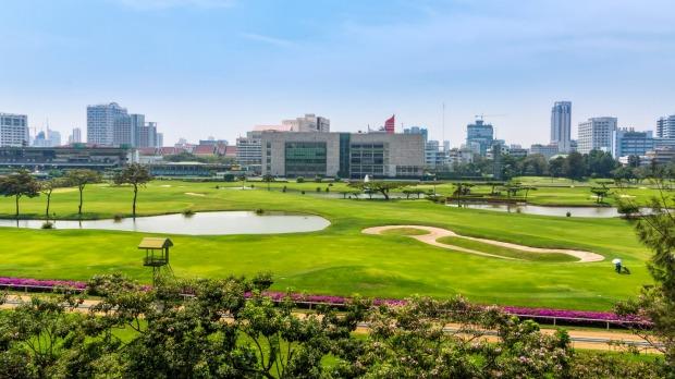 Campo de golf en el corazón de Bangkok.