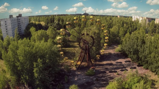 La ciudad abandonada de Pripyat en Chernobyl, con la noria del parque de atracciones que nunca abrió.