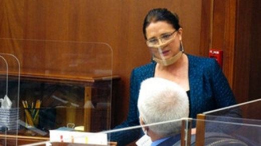 La senadora del estado de Alaska, Lora Reinbold.