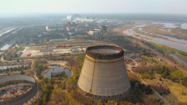 La torre de enfriamiento de la central nuclear de Chernobyl.