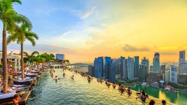 ▷The Address Beach Resort, Dubai: poseedor del récord mundial Guinness de  la piscina infinita más alta del mundo ✔️
