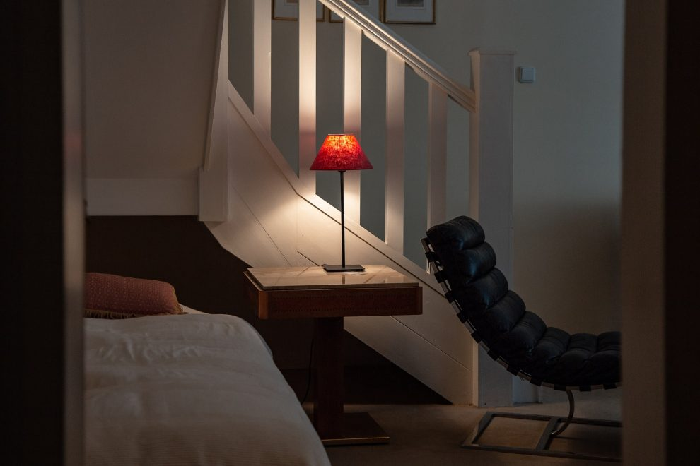 Cómo elegir la lámpara de mesa inalámbrica perfecta para el sector de la hostelería