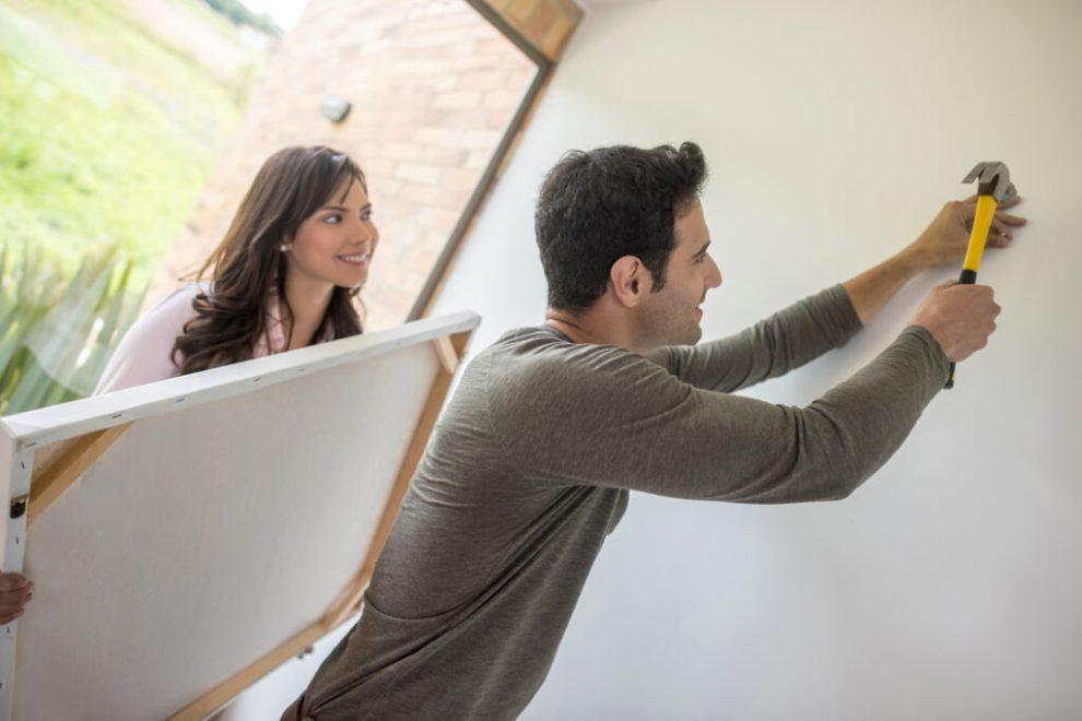 Consejos para colgar tu pintura con precisión