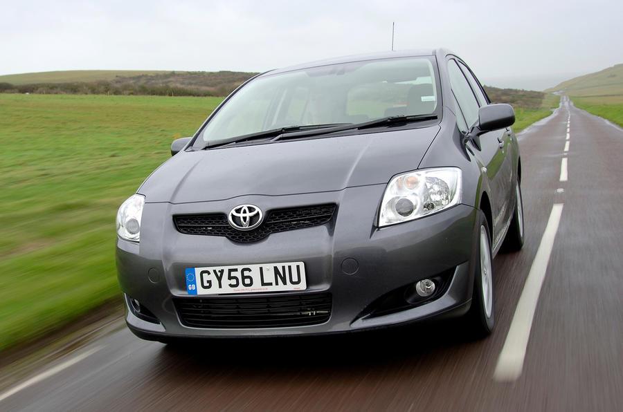Toyota invierte £ 1 millón para combatir el robo de convertidores catalíticos en autos más antiguos