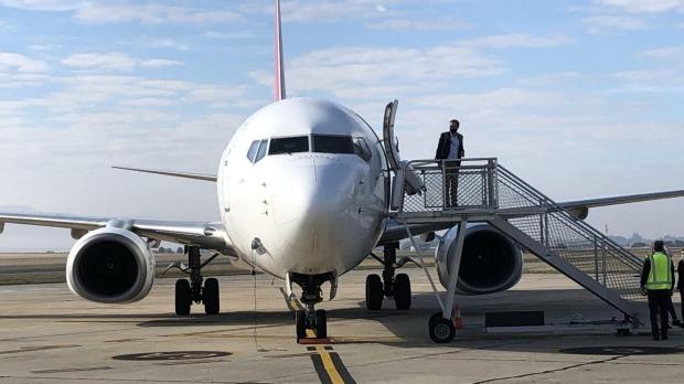 Un clima inusualmente cálido recibió a los pasajeros en Launceston durante el misterioso viaje de Qantas.