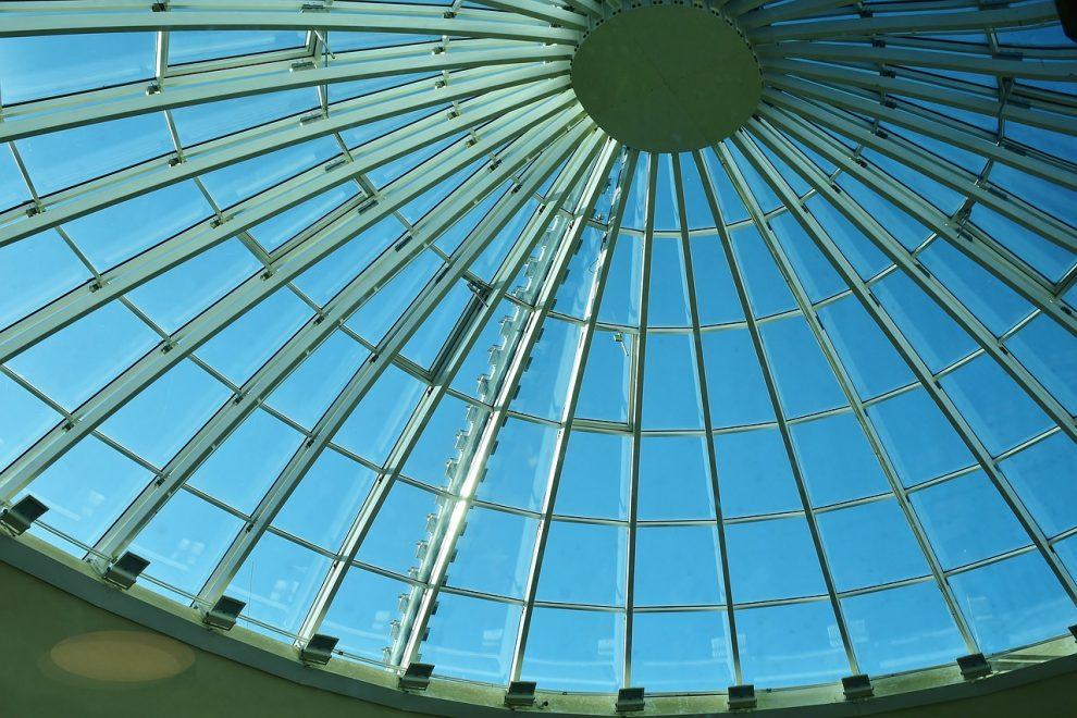 ¿Cuáles son los pros y los contras de los techos de metal de acero en comparación con los techos de aluminio?