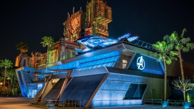 El campus de los Vengadores de Disneyland abre después de un año de retraso causado por COVID-19