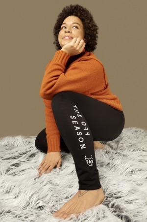 Los pantalones de lana merino también se distribuirán en el aeropuerto de Hobart el 2 de julio.