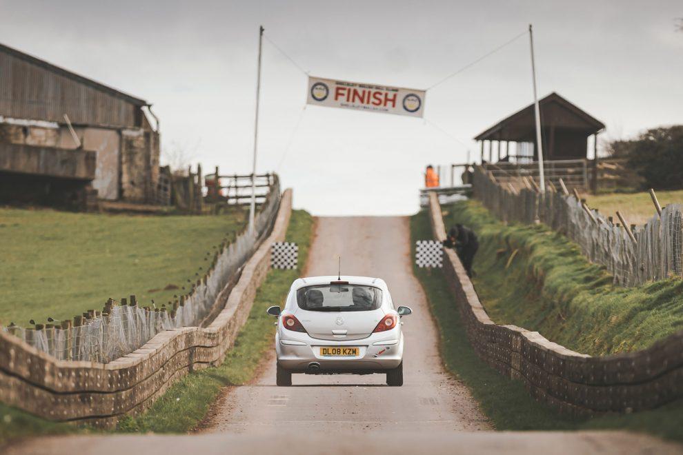 La serie de escalada en colina de Autocar Vauxhall Corsa celebra la primera sesión