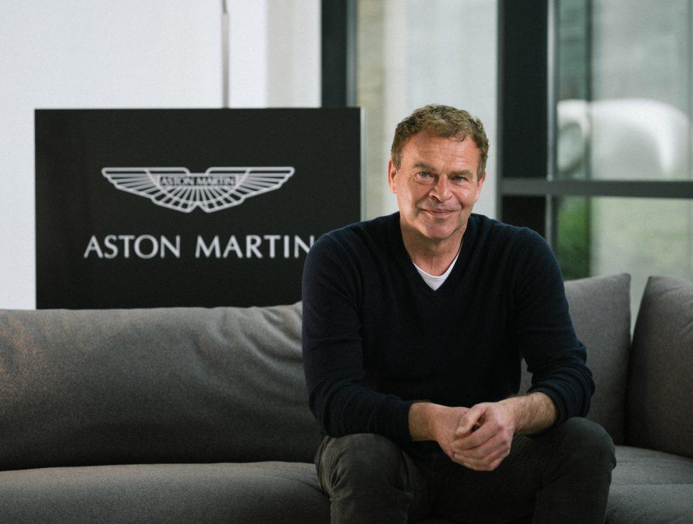 Deja que los coches hablen: Tobias Moers conduciendo el Aston Martin