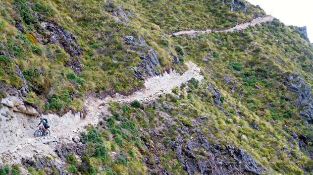 El viejo camino fantasma en Nueva Zelanda.